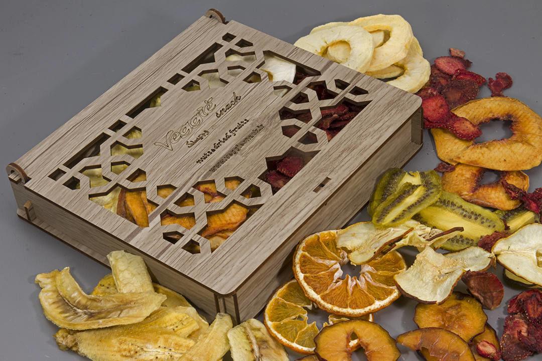 میوه خشک کادویی 7 میوه طرح سنتی وجیسنک خرید انلاین میوه خشک مخلوط وجیسنک قیمت و خواص میوه خرید اینترنتی چیپس میوه خشکبار